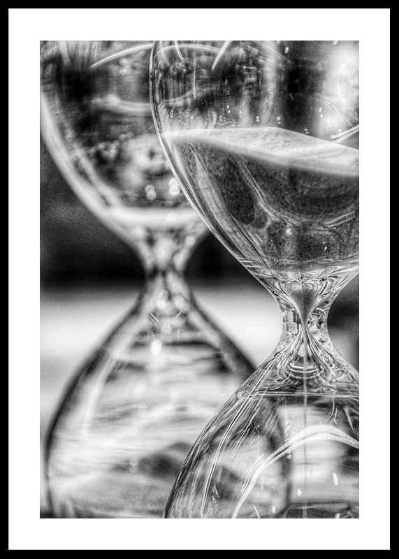 Hourglass-0