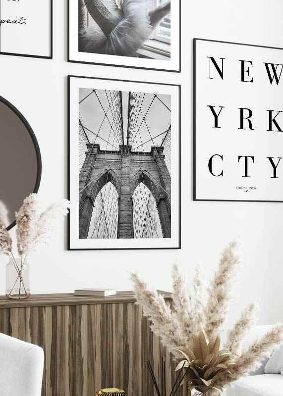 Brooklyn Bridge Close-4